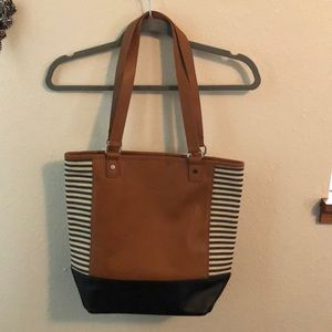 Brand new without tags thirty-one purse!